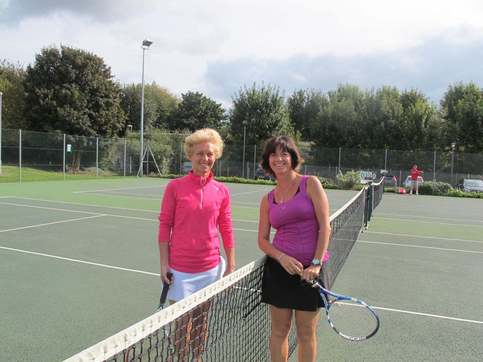 Ladies' Singles Finalists - Yvonne Henderson & Elspeth Gracie