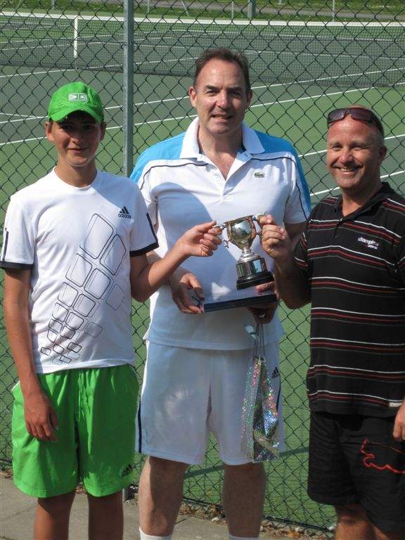 Apr 11 Champions Ben Skidmore & Richard Gracie being presented with the Trophy by organiser Al Clark (centre)